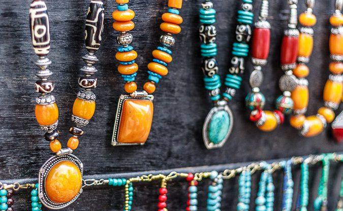 Shopping in Markets of Tibetian Town in Himachal Pradesh - Mcleodganj - Budha Statutes made up of Ashtadhatu & Stones, Meditation stuff, Jewellery etc (4 of 15)